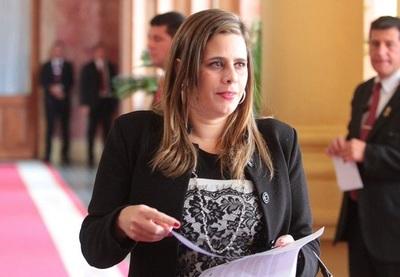 Kattya afirma que proyecto de Ley de Insolvencia atenta contra el deudor