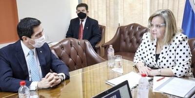 Canciller se reunió con miembros de la comisión de RREE del Senado