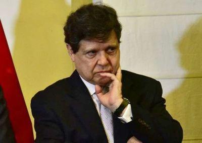 """Ministro aclaró que no ha hablado sobre """"extracción o rescate"""" con las familias"""