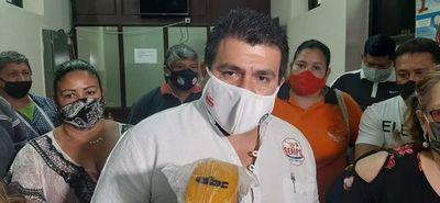 Sindicalistas del IPS se manifiestan en reclamo del pago de gratificaciones