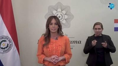 """HOY / La Primera Dama es distinguida como """"referente de la humanidad"""""""