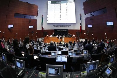 Senado mexicano aprueba cesión a Secretaría de Marina de manejo de puertos