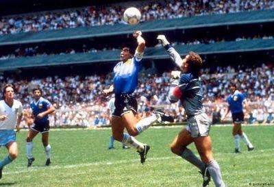 Maradona sueña con marcar con la otra