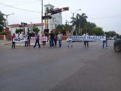 #Ahora PROPIETARIOS DE TRAGAMONEDAS CIERRAN AVENIDA