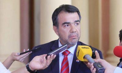 Mario Abdo nombra a Oscar Llamosas en Hacienda
