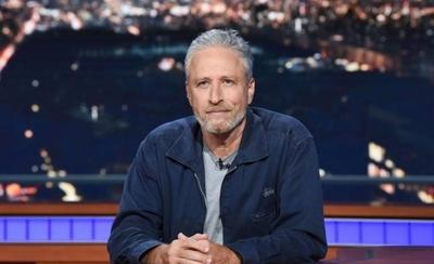 HOY / Jon Stewart prepara un programa de televisión para Apple