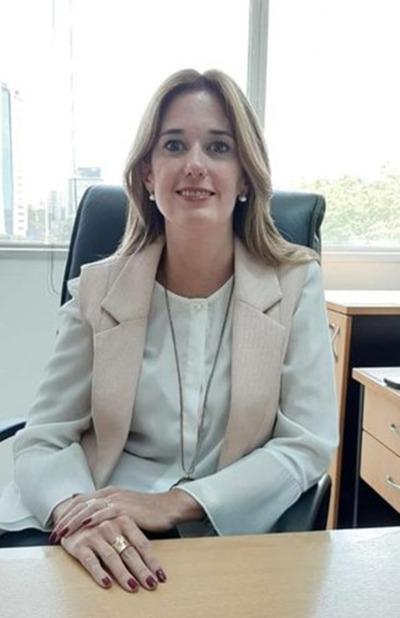Abdo designa a María Fernanda Carron, como nueva presidenta de la AFD