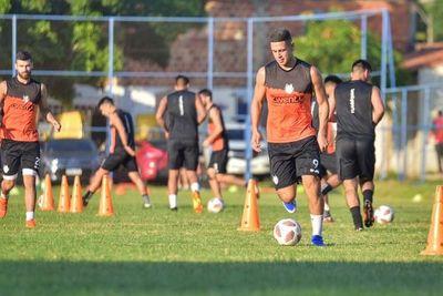 ¿Cuándo comienza a entrenar Sergio Bareiro en Cerro?