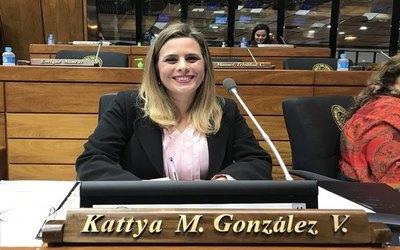 Kattya González: «Me siento preparada para ser presidenta»