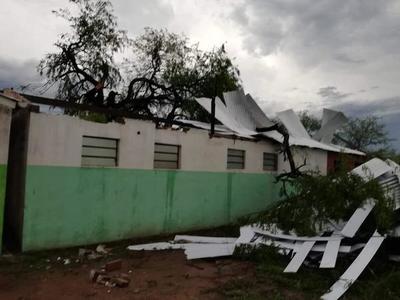 Temporal en el Chaco dejó varias casas dañadas y un colegio destruido