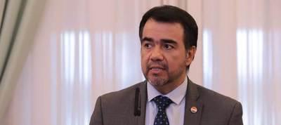 El economista Oscar Llamosas es el nuevo ministro de Hacienda