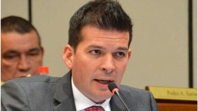 Friedmann pide la expulsión de Sergio Godoy