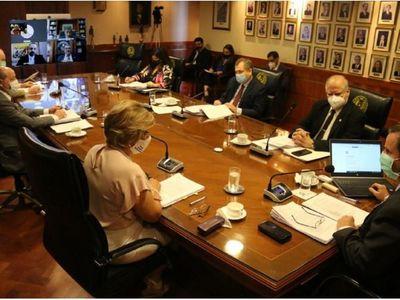CSJ intima pago de 13 mil millones a gremio de notarios