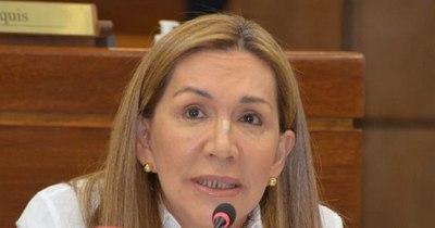 La Nación / Por nimiedades echaron a Amarilla y Bajac, sostienen