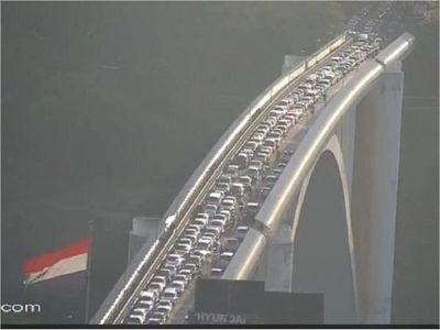 Desde hoy, los peatones ya pueden cruzar el Puente de la Amistad