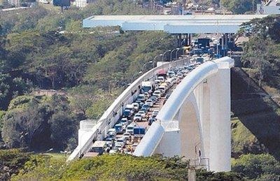 Peatones ya pueden cruzar desde hoy el Puente de la Amistad las 24 horas