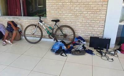 Policía detiene a rapiñadores de vivienda y recupera parte de los objetos hurtados