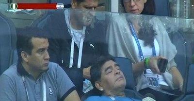 La Nación / Maradona terminó en hospital