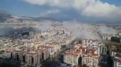 Terremoto de 7,0 remece a Grecia y Turquía: hay edificios caídos.