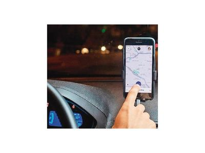 Tras billetaje, repuntan clientes de Uber y taxis