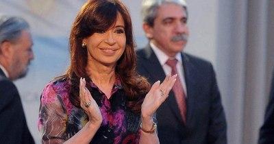 La Nación / Jueza argentina desestima causa por enriquecimiento ilícito contra Kirchner
