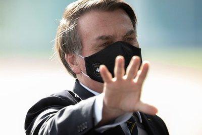 """Bolsonaro afirma que """"la pandemia está llegando a su fin"""""""