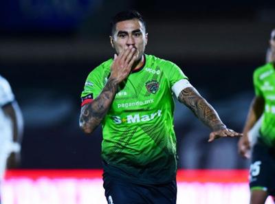 Darío Lezcano anota en la victoria del Juárez