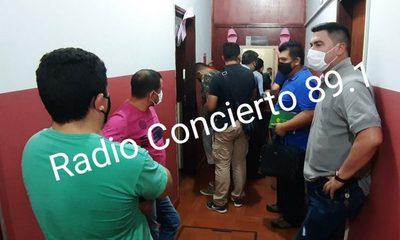 Policías que raptaron a joven van a la Agrupación Especializada