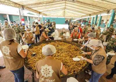 Nueva jornada de Paraguay Solidario repartió 3.000 platos de almuerzo en asentamientos de Limpio