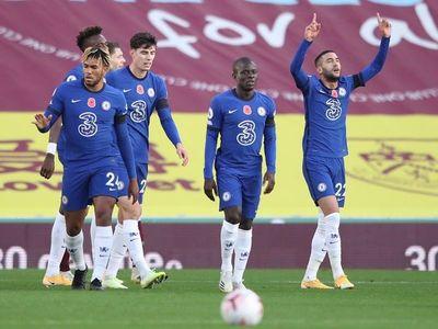 Ziyech lanza al Chelsea ante el colista