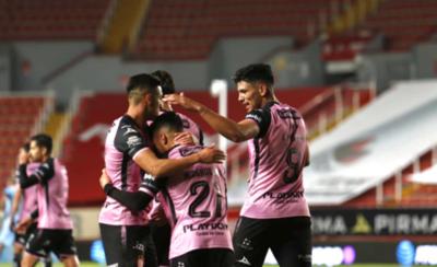 HOY / Necaxa, con un paraguayo gana al Toluca en el torneo charro