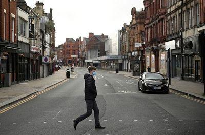 Inglaterra, de nuevo confinada contra el coronavirus