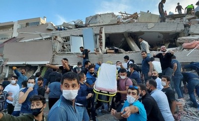 Ascienden a 37 los muertos en Turquía por el terremoto en el mar Egeo