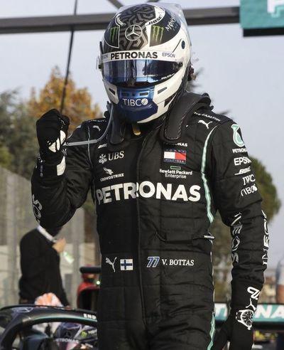 Mercedes firma otro doblete