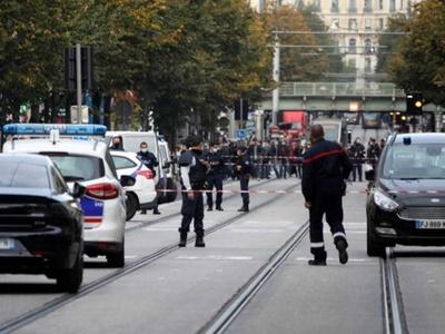 Alerta terrorista en Francia: un sacerdote fue baleado en Lyon y un sospechoso fue detenido