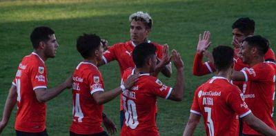 Dura caída de Racing y victoria de Independiente