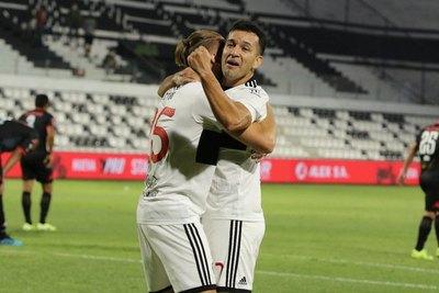 Olimpia vence a San Lorenzo y consigue su primer éxito en el torneo