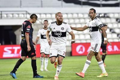 Olimpia consigue su primera victoria, ante San Lorenzo
