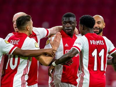 Once jugadores de Ajax dan positivo por coronavirus
