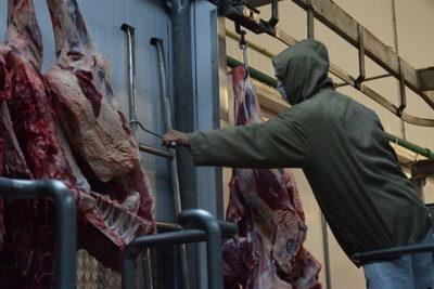 En octubre se faenaron 196.975 bovinos, la actividad más alta en 30 meses