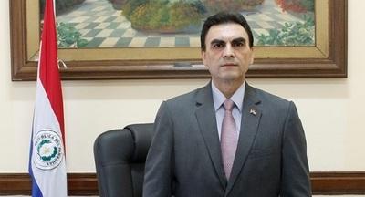 Abdo Benítez hace oficial el nombramiento de Pereira en el MUVH