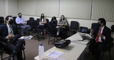 La Nación / Capacitan en expediente electrónico para Niñez y Adolescencia de Capital