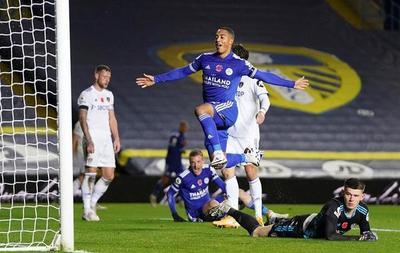 Leicester castiga al Leeds y se hace escolta