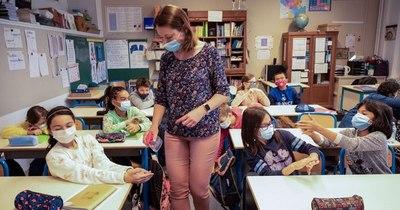 La Nación / Francia: 12 millones de niños regresan a las aulas