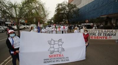 Funcionarios del Hospital del Trauma se movilizan exigiendo reivindicaciones salariales