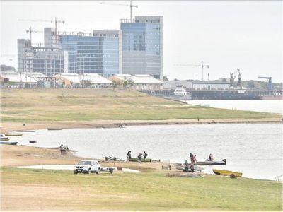 Río Paraguay registra un lento repunte, pero descendería nuevamente