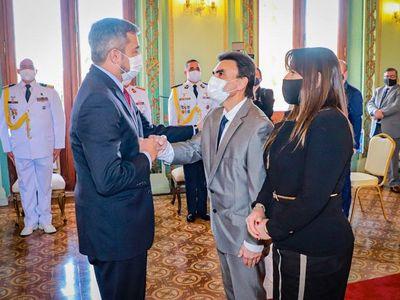 Carlos Pereira jura como nuevo ministro de la Vivienda