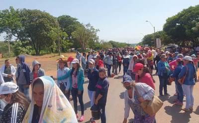 En Arroyito completan segunda jornada de protestas