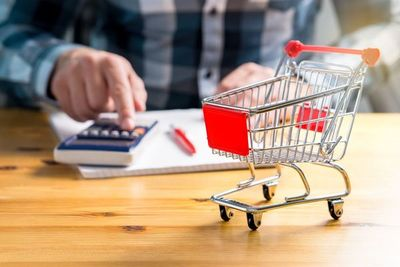 Canasta básica mantiene baja variación de precios, a espera de reactivación del consumo