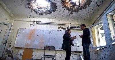 La Nación / Universitarios de Kabul no bajan los brazos tras atentado